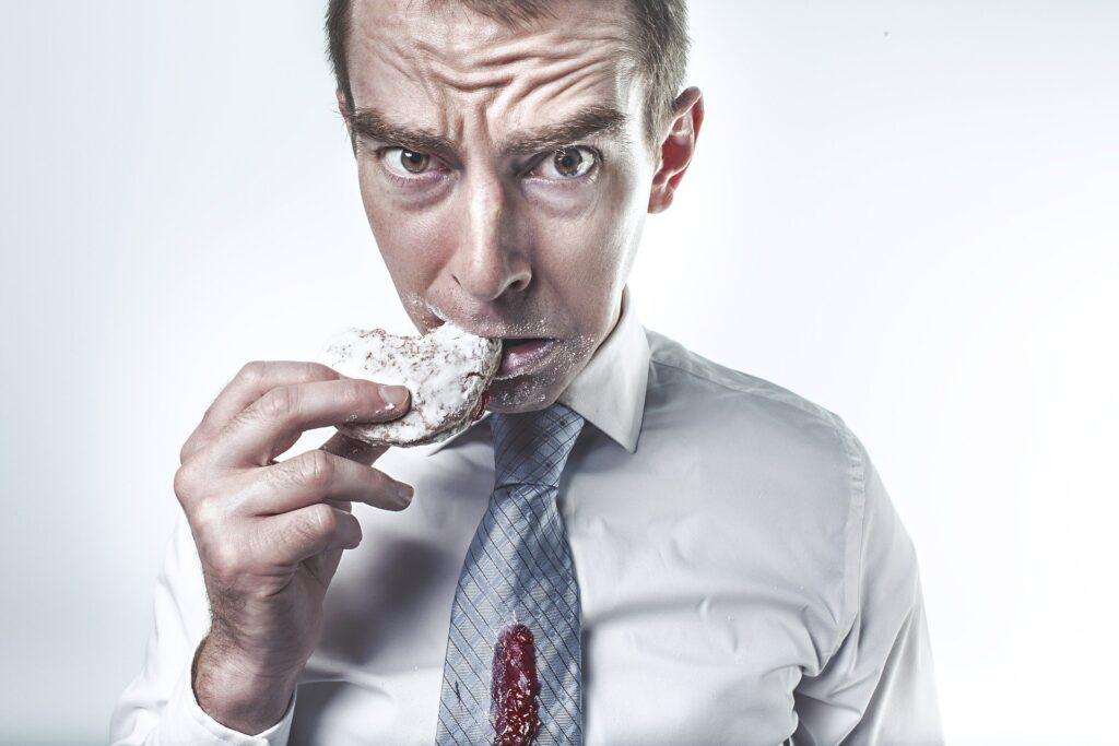 comer dulces en exceso